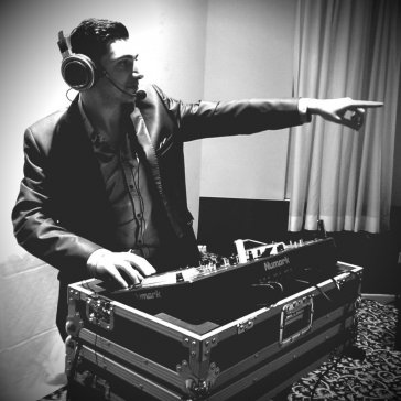 DJ Eddie epic black & white pic