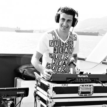 DJ Eddie on a Boat Cruise