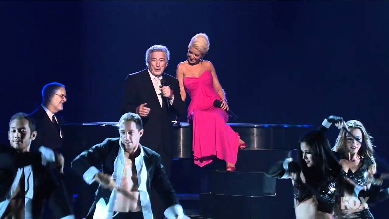 Christina Aguilera & Tony Bennett – Steppin Out With My Baby