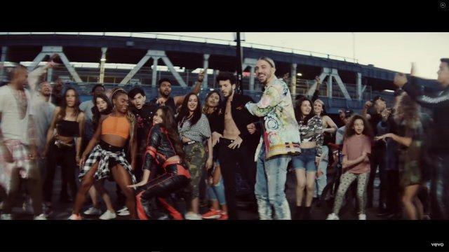 Boomshakalaka - Dimitri Vegas & Like Mike, Afro Bros & Sebastian Yatra featuring Camilo & Emilia